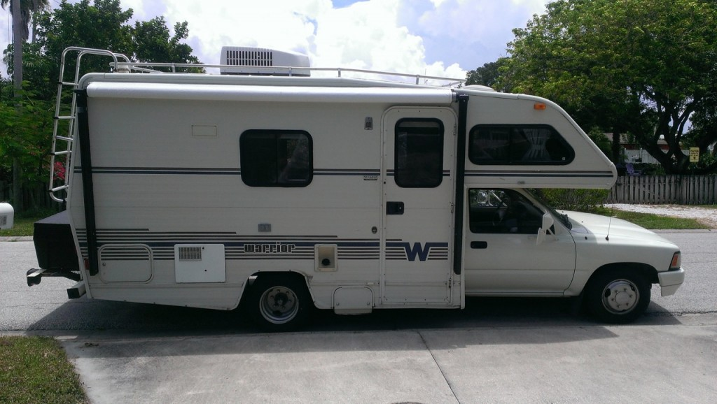Starboard side with an electric awning