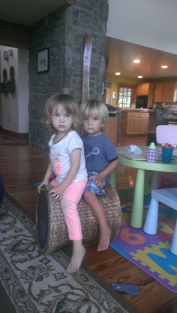 The cousins had fun playing. Too bad whenever the camera was around they look so serious.