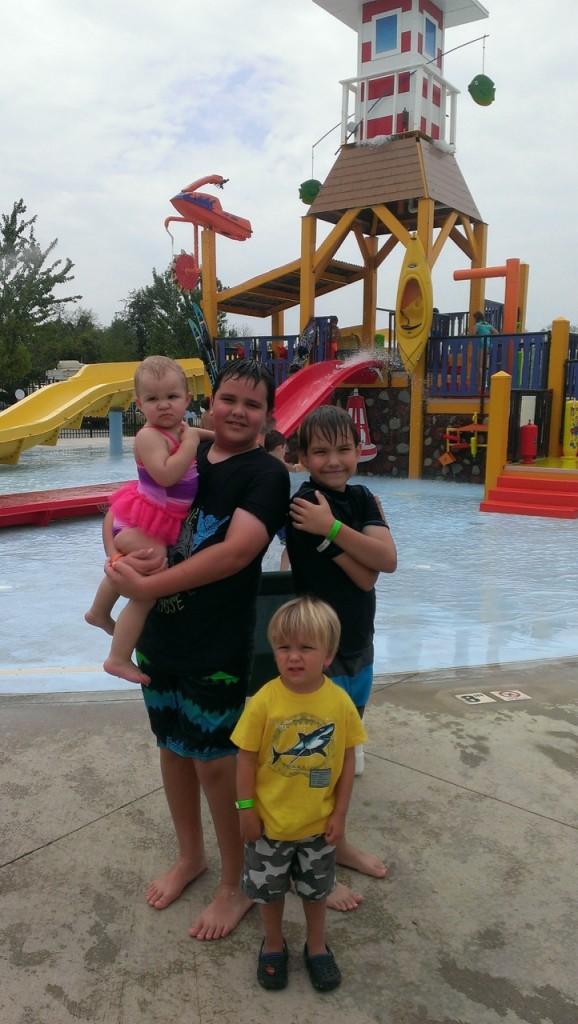 Emma, Keaton, Avery and Sully at the waterpark